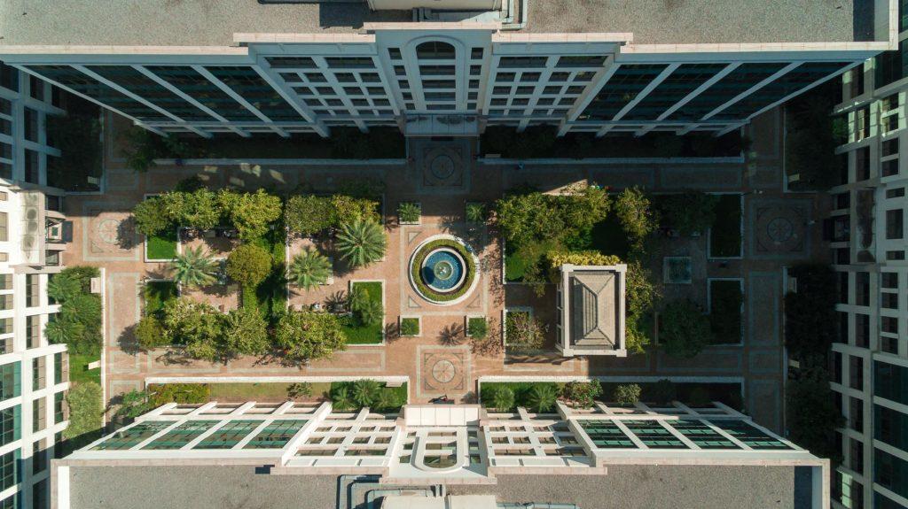 Foto do Universe visto de cima mostrando os jardins | Os encantos da jardinagem francesa